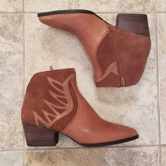 NWT LUCKY BRAND Leather Tan Cowgirl NEW Bo…